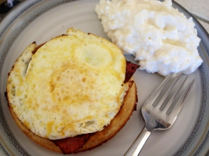 egg on turkey bacon, on a GF waffle and some cottage cheese... yum!!